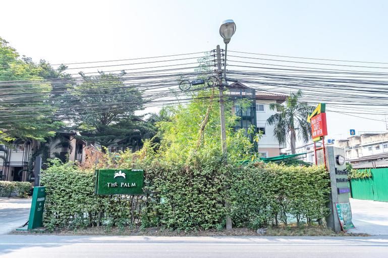The Palm Hotel, Phuttha Mon Thon