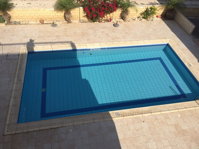 Spacious 2 Bed Penthouse Apart,