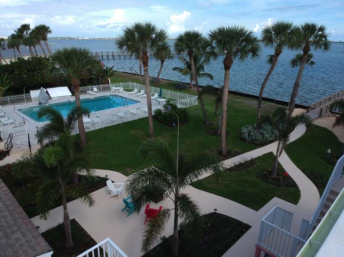 Caribbean Shores Waterfront Resort, Martin
