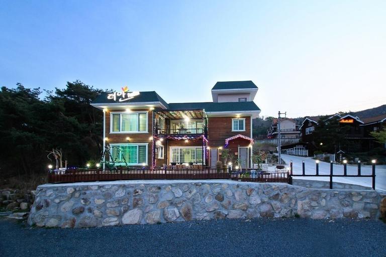 Gyeongju New The An Pension, Gyeongju