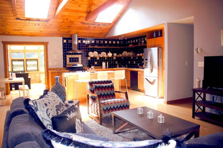 Stunning 3bd/2ba Vacation House in the Vineyard, Dukes