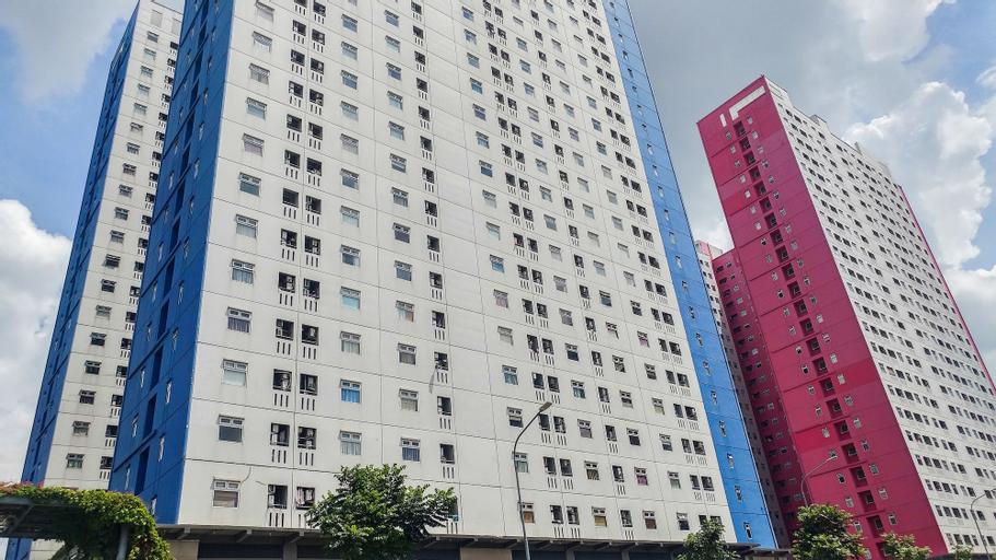 Nice 2BR Green Pramuka Apartment, Central Jakarta