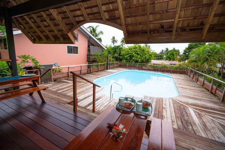Bora Bora Holiday's Lodge and Villa,