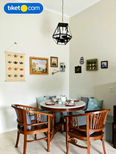 Cottonwood Grandma's Cottage Lembang, Bandung