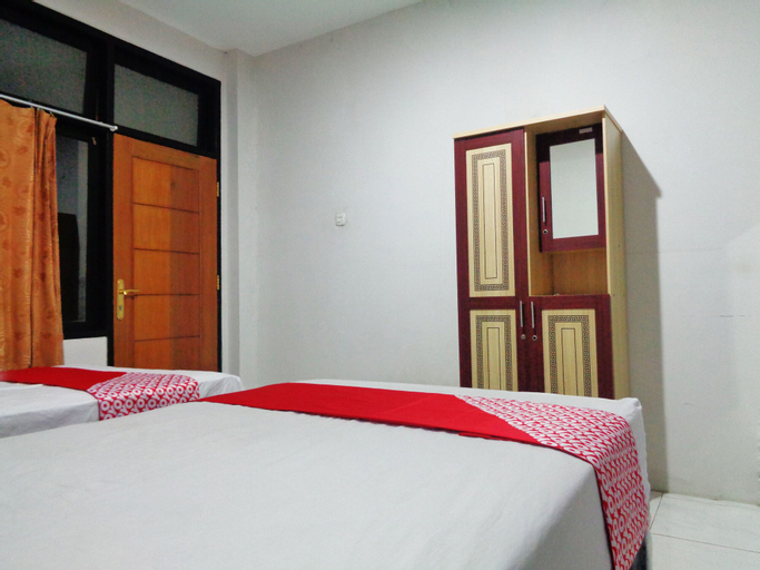 OYO 2130 Magnolia Residence, Manado