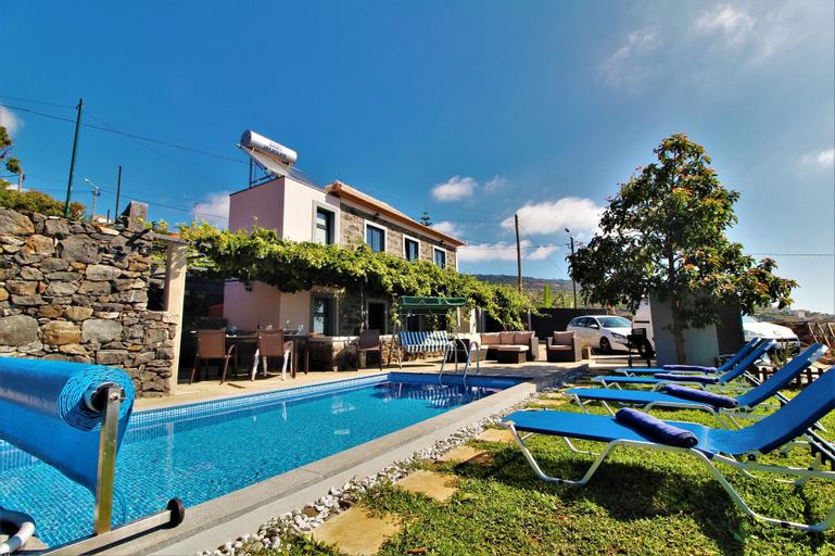 Santa Cruz Villa Private Pool, Funchal
