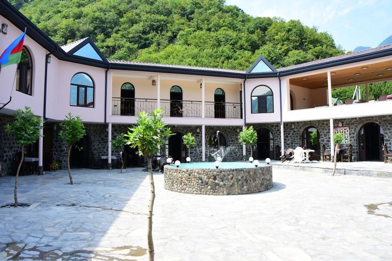 Simsek Motel & Restaurant, Qax