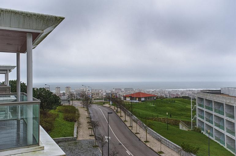 Lisbon Finestay Capuchos, Almada