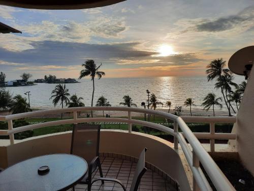 simon's place 2@ Regency tg tuan beach resort, Port Dickson