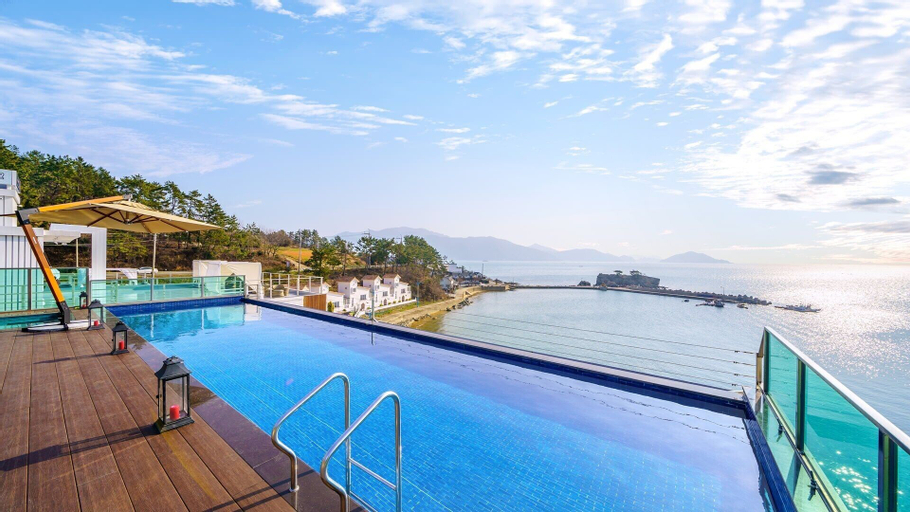 Namhae Lounge 32 Resort A, Namhae