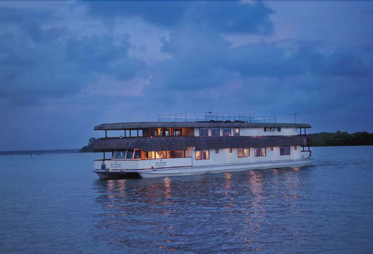 The Oberoi Vrinda, Luxury Kerala Cruiser, Alappuzha