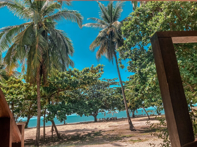 Chaithalay Khanom Resort, Khanom