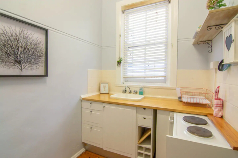 Cosy Apartment Walking Distance to Manly Beach, Manly