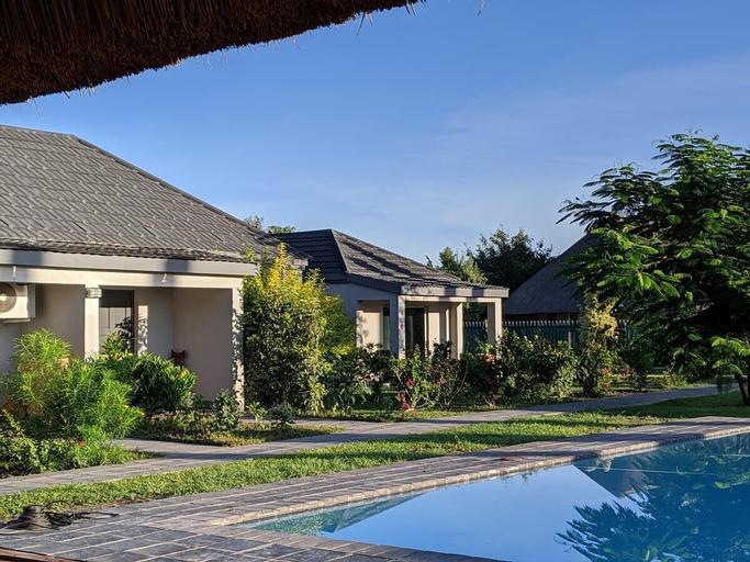 Chobe Poolside Suites, Chobe