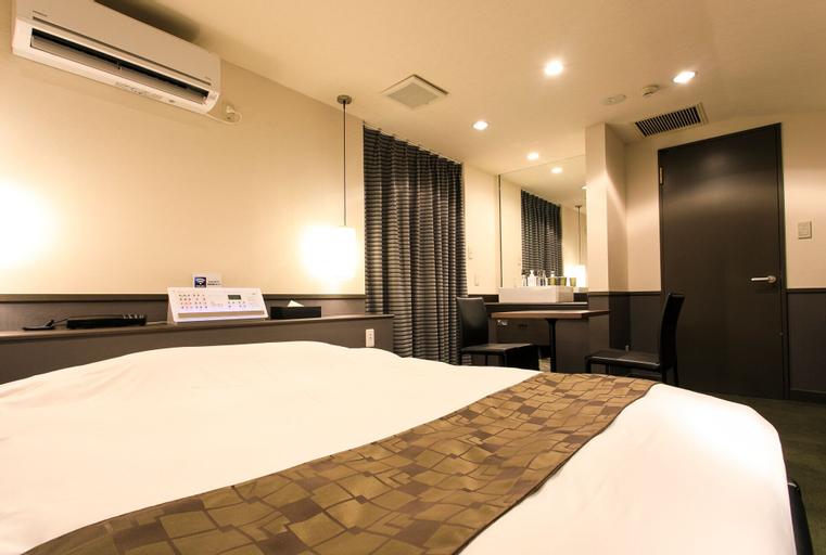 Hotel Double Funabashi, Funabashi