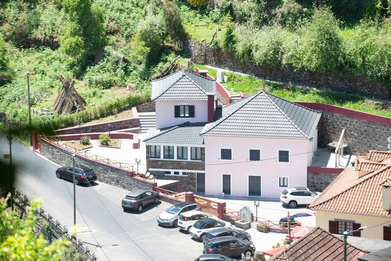 Casa do Ribeiro Frio, Santana