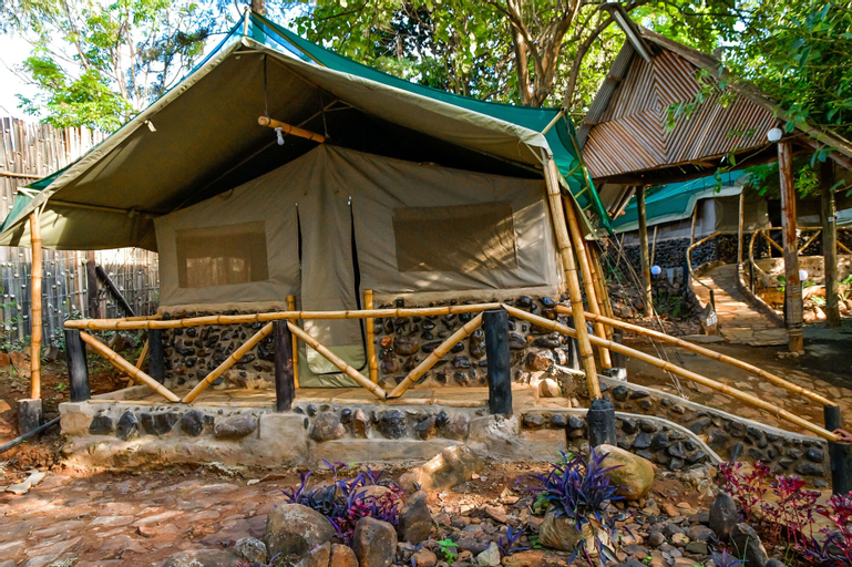Rukenya Islands - Campsite, Mwea