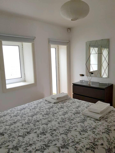 Apartment With one Bedroom in Porto, With Wonderful City View, Terrace and Wifi - 10 km From the Beach, Porto