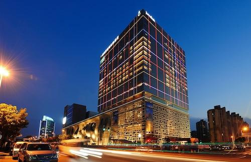 Jumeirah Himalayas Hotel Shanghai, Shanghai