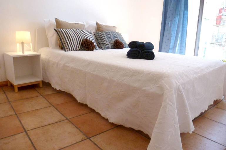 Apartment With one Bedroom in Setúbal, With Wonderful City View, Furnished Balcony and Wifi - 2 km From the Beach, Setúbal