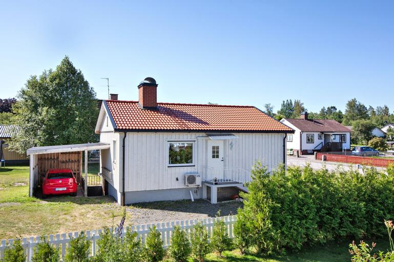 Entire Villa HomelyComfort, Laxå, Laxå