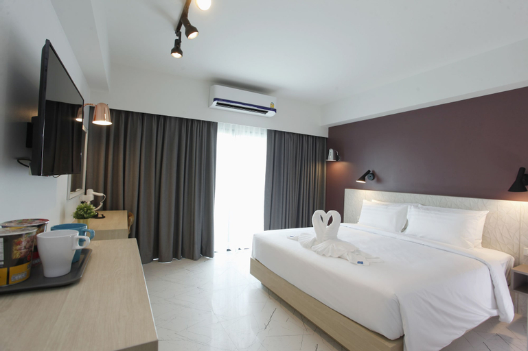 Port Canary Hotel, Bang Plee