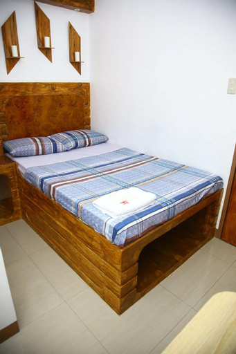 OYO 545 Andrew's Apartelle, Biñan