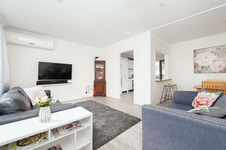 Comfy & Convenient Homebush West, Strathfield