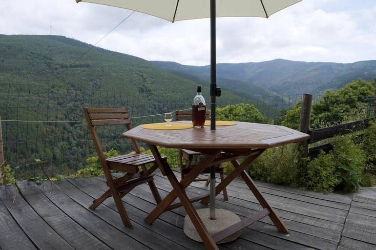 House With one Bedroom in Lousa, With Wonderful Mountain View and Furnished Terrace, Lousã