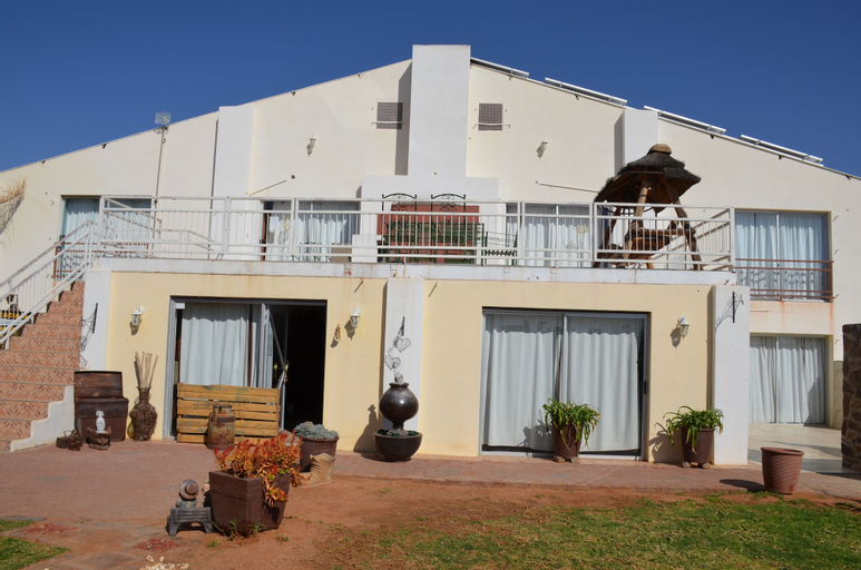 Namgate Guesthouse and Butchery, Karas