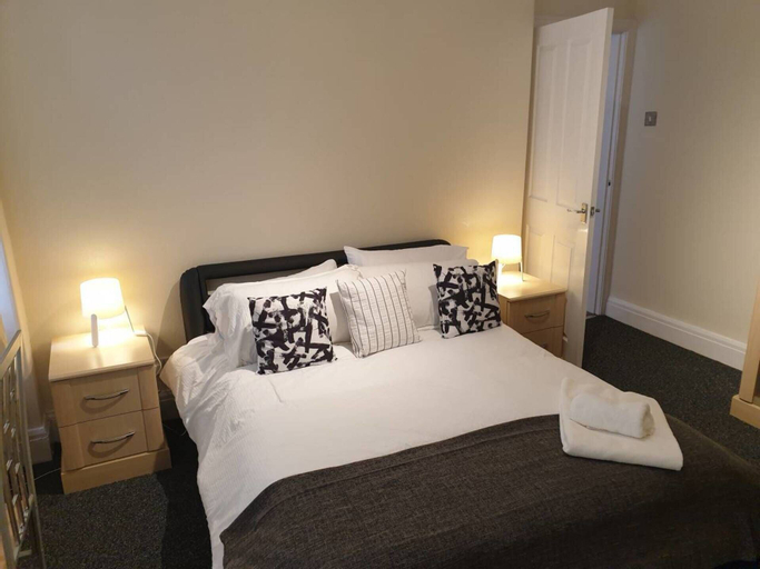 South Shield's Emerald 2 Bed Apartment Sleeps 6, South Tyneside