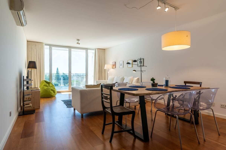 GuestReady - Gorgeous apartment in Alges with Stunning Rooftop Pool, Oeiras