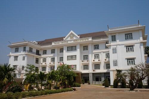 Double Lotus Hotel, Pakxe