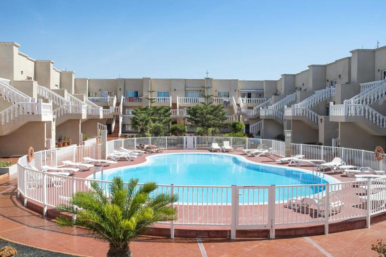 Apartment with pool in Caleta de Fuste, Las Palmas