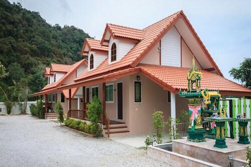 Khaolom Resort Khanom, Khanom