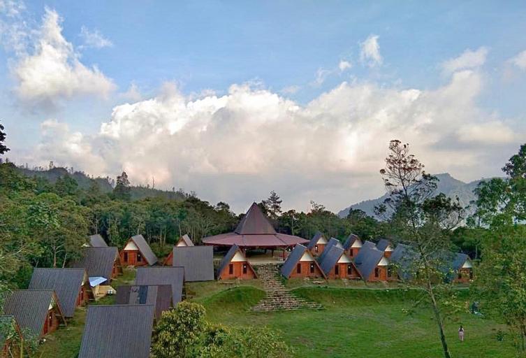 Supercamp Sakura Hills, Karanganyar