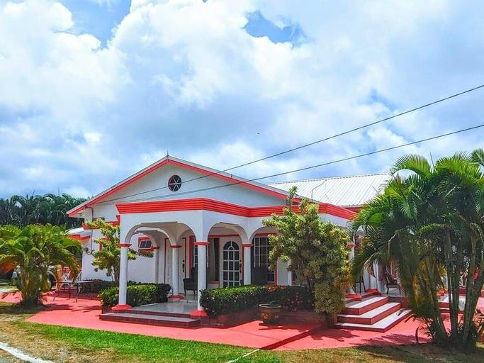 Sunny Palm Villas,