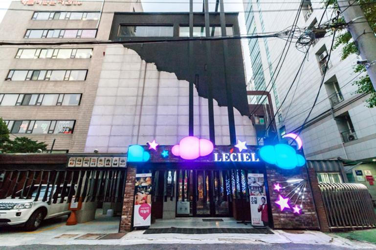 Leciel Motel, Dobong