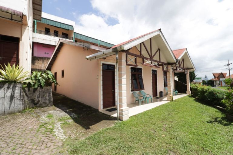 Villa Keluarga Bre Batunanggar, Karo