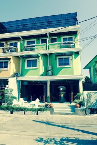 Home'81, Wang Thonglang