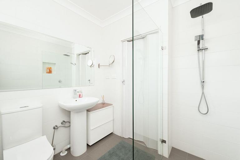 Comfy & Convenient Homebush West, Strathfield