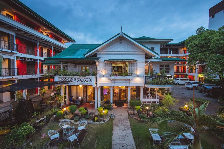 Rosvenil Hotel, Tacloban City