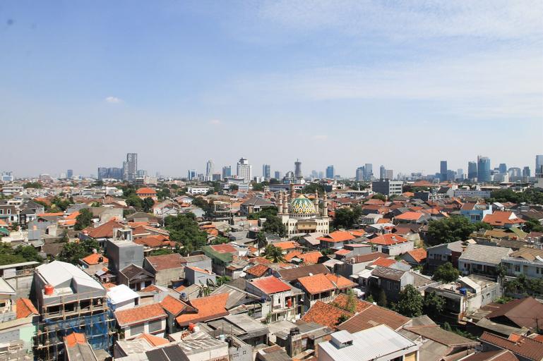 Spacious 3BR @ Cervino Village Apartment By Travelio, South Jakarta