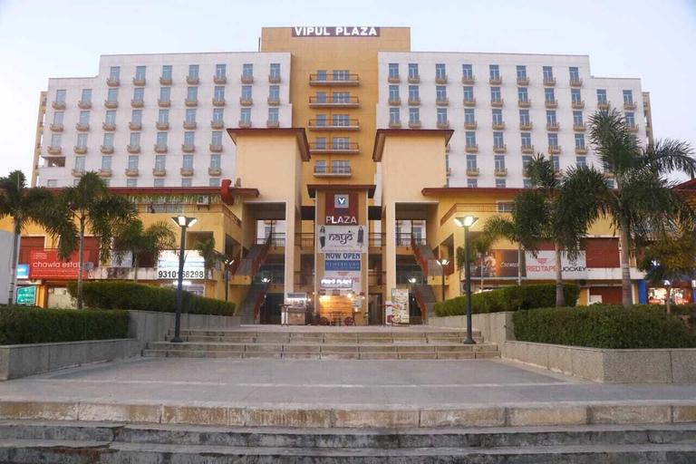 Hotel Grand 81, Faridabad
