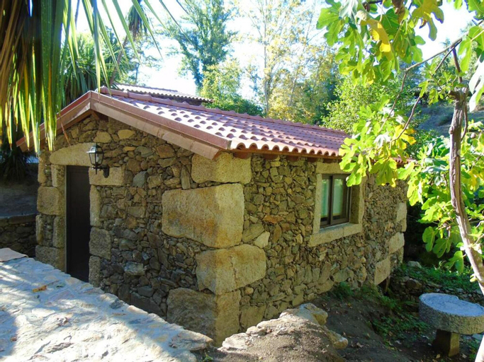 House With one Bedroom in Fermil, Santa Tecla de Basto, With Shared Pool and Wifi, Celorico de Basto