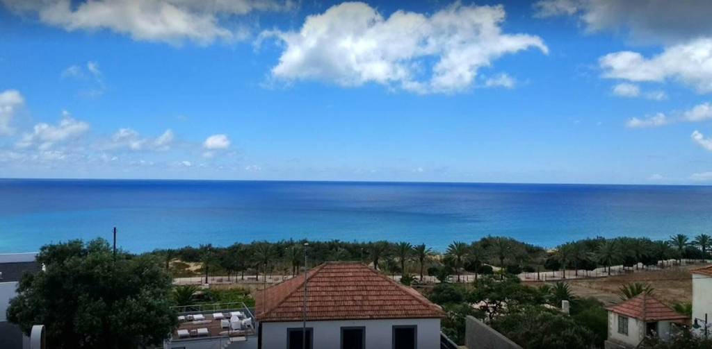 Studio in Vila Baleira, With Wonderful sea View, Shared Pool and Furnished Balcony - 400 m From the Beach, Porto Santo