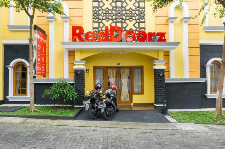 RedDoorz Syariah near Poltekkes Kemenkes Yogyakarta, Sleman