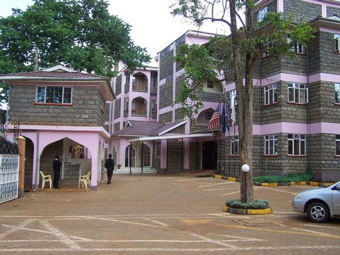 Skynest Country Hotel, Kwanza