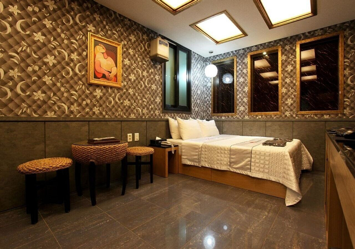 Komodo Hotel, Yeongdeungpo