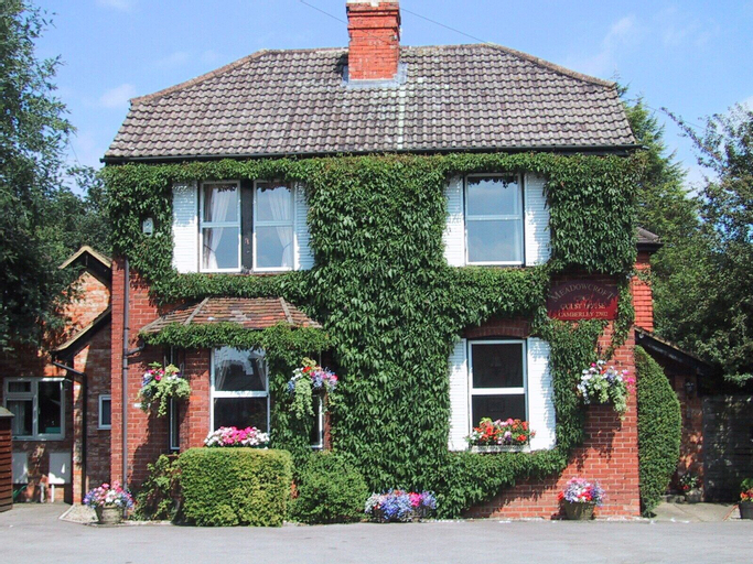 Meadowcroft, Surrey
